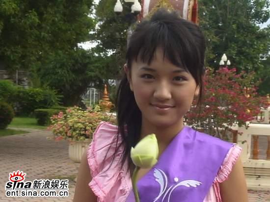 图文:黄烁汀泰国性感可爱拍外景--纯净笑容