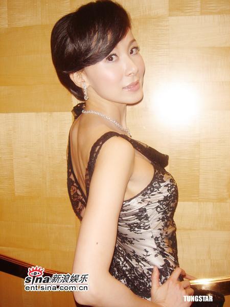 12月6日最美女星:萧蔷着蕾丝礼服气质非凡