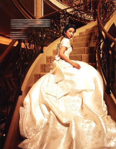 5月8日最美女星:李冰冰身着曼妙婚纱起舞弄影