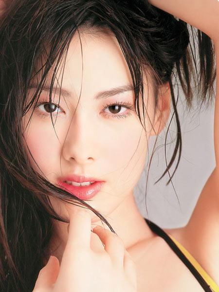 6月16日最美女星:梁洛施写真青春气息势不可挡
