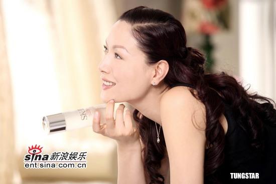 8月1日最美女星:琦琦拍护肤广告展女人自然魅力