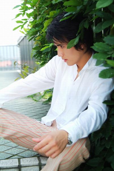 资料图片:代言人选秀总决赛20强-俊伊
