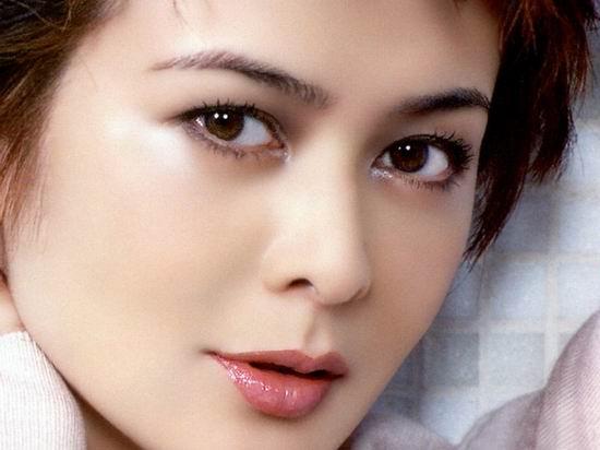 资料图片:BQ2006年度红人榜-关芝琳