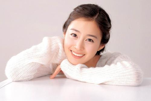 1月11日最美女星:金泰熙清纯明媚小女人味道