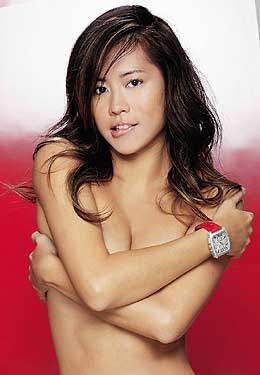 新加坡美女谢韵仪穿衣服拍裸照 竖