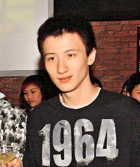 香港歌手周永恒涉嫌藏毒遭拘捕已获准保释(图)