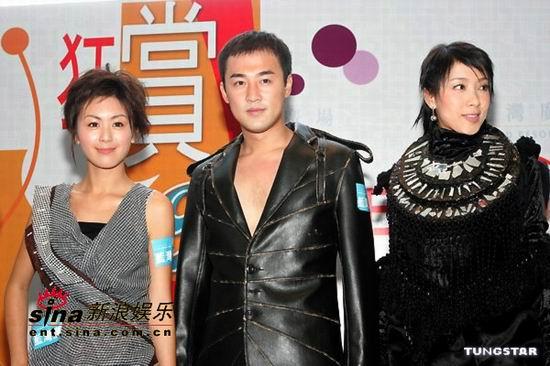 组图:林峰、杨怡及唐宁客串时装模特走秀