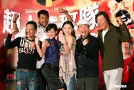 组图:大小S与蔡康永出席首映式不改搞笑本色