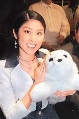 陈慧琳日本领杰青奖父亲透露女儿两年后披嫁衣