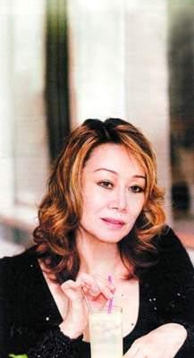 林燕妮再次开腔谈与黄霑恩怨十四年前已经缘尽