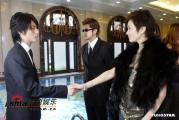 组图:关之琳MV中演绎痴缠之恋清纯造型曝光