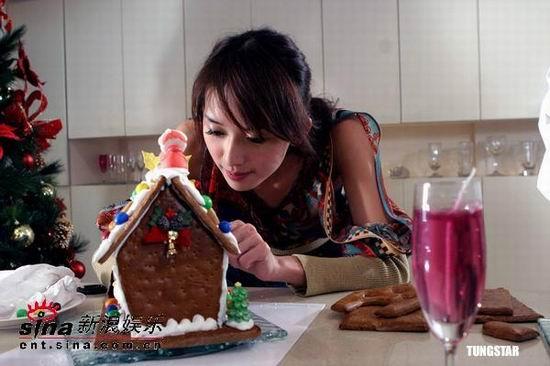 组图:林志玲亲自下厨为迎圣诞做蛋糕送自己