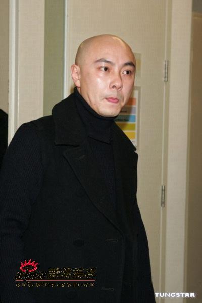 图文:香港演艺圈人士为海啸灾区募捐-张卫健