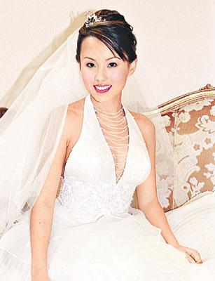 港姐杨洛婷成功减肥十磅拍婚纱广告显靓丽一面