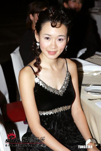 组图:Rosemary杨思琦获邀担任e生活颁奖嘉宾
