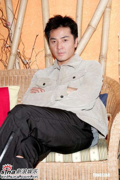 组图:郑伊健出席访问坦言不能接受第三者身份