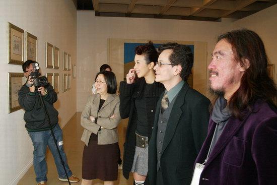 组图:莫文蔚出席法国印象派绘画珍品展