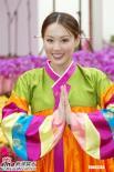 组图:香港花卉展人比花娇港姐艺人争芳斗艳