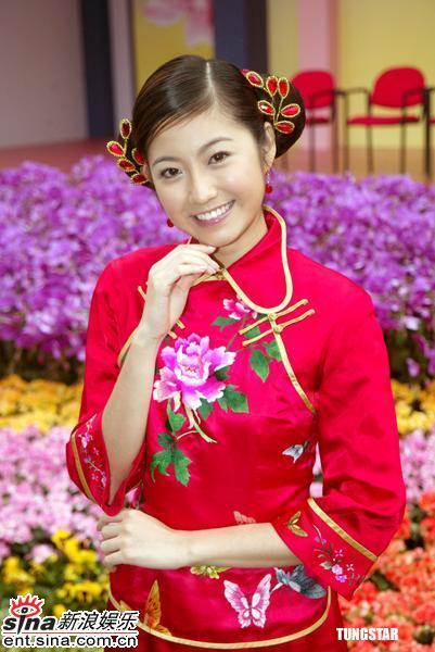 图文:香港花卉展人比花娇港姐艺人争芳斗艳(3)