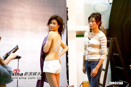 组图:邵美琪半裸上镜完美背部线条秀美态