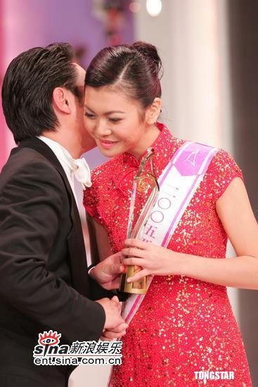 组图:2005亚洲小姐香港区决赛最后五强诞生
