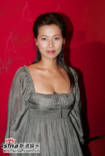 图文:05年亚洲小姐总决赛现场直播--麦家琪