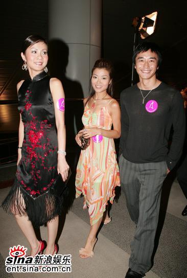 图文:05年亚洲小姐总决赛现场直播--嘉宾入场