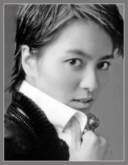 10月25日最美女星:梁咏琪忧郁写真不改清纯气质