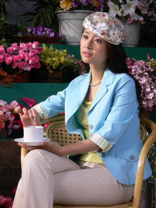 12月27日最美女星:林心如代言服装演绎休闲时光