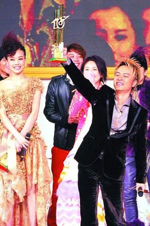 李克勤宣布今年要结婚预约刘德华做伴郎(附图)