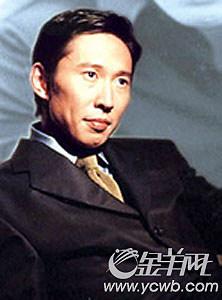 S.H.E成员Hebe恋上40岁导演车上缠绵亲热(图)