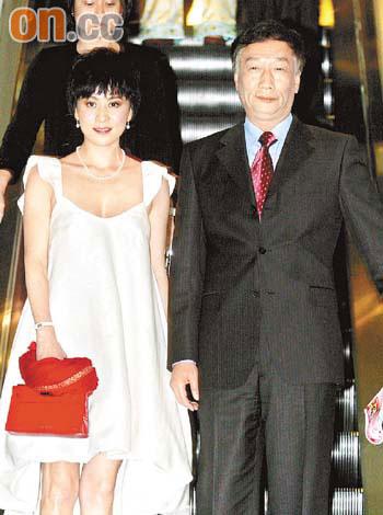 刘嘉玲经纪人发声明否认收郭台铭1亿台币(图)