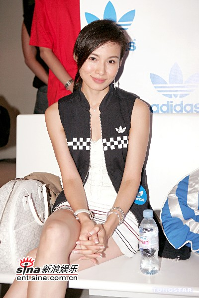 杨峥_组图:古巨基梁汉文杨峥等港星出席时尚派对