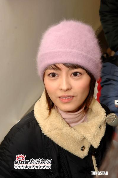组图:梁咏琪承认已分手否认嫌弃郑伊健没前途