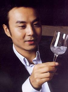 明星夜生活大揭秘刘嘉玲喝酒就像喝水(组图)