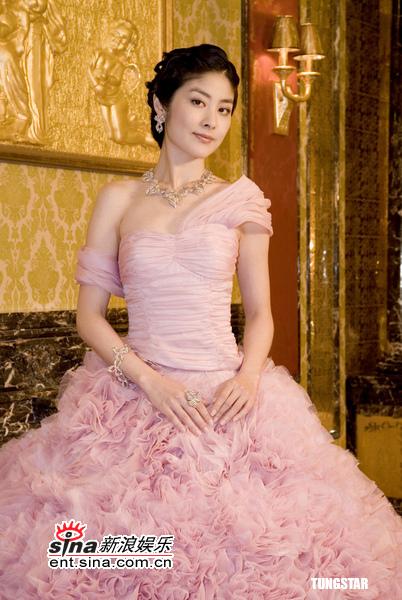 组图:陈慧琳化身闪烁幸福公主拍摄新珠宝广告