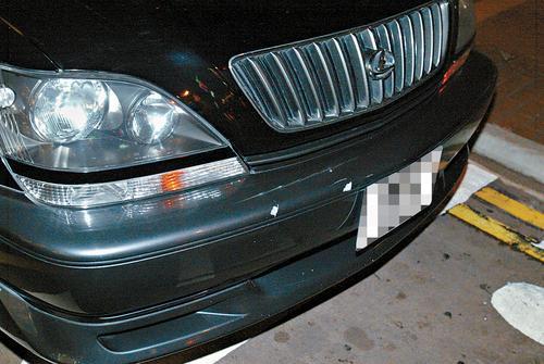 组图:陈敏之座驾被撞遭遇恶司机含泪惊慌报警