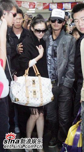 谢贤亲证儿媳张柏芝怀孕3月预产期在暑假(图)