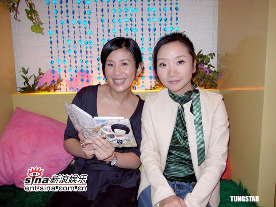 组图:吴君如台湾拍节目与陶晶莹大谈妈妈经