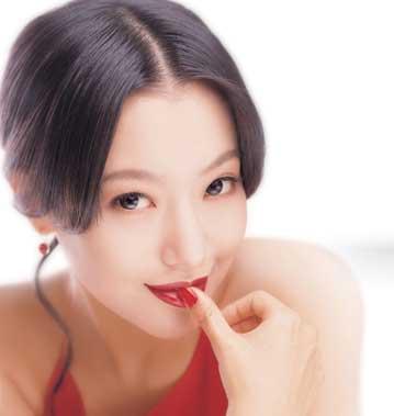 组图:韩国第一美女金喜善新广告造型娇艳欲滴