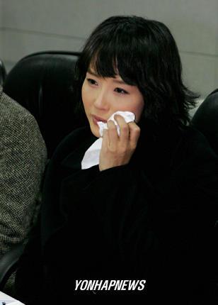 韩星崔真实赔款案25名律师愿免费为其辩护(图)