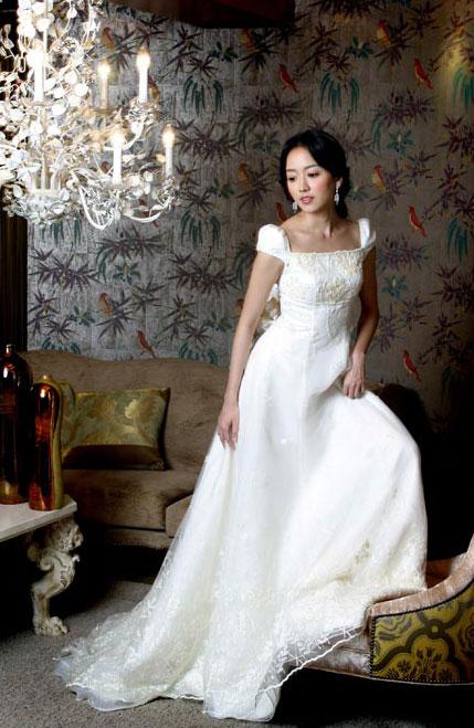 组图:《大长今》中的医女阿烈李世恩婚纱写真