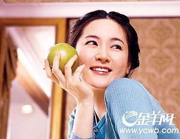 李英爱捐最佳女主角奖奖金要为韩国电影做贡献
