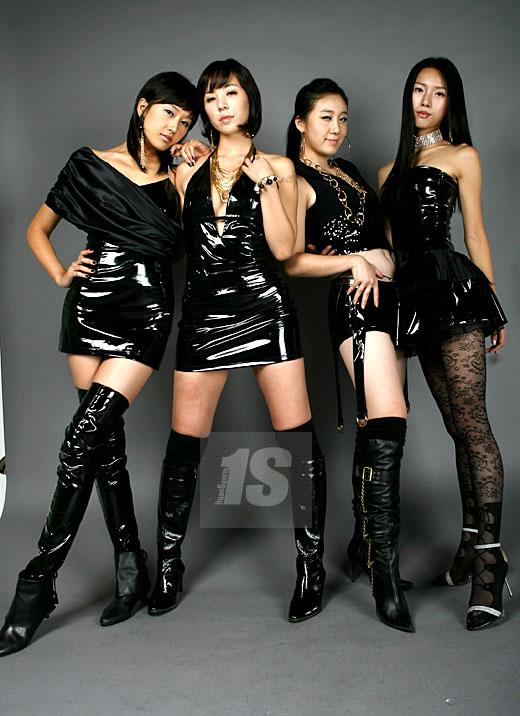 美女军团lpg大秀身材 四位佳丽平均身高176公分