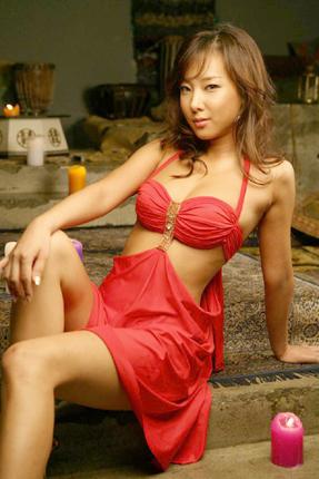 组图:韩星韩娜发表性感写真姿态大胆性感撩人