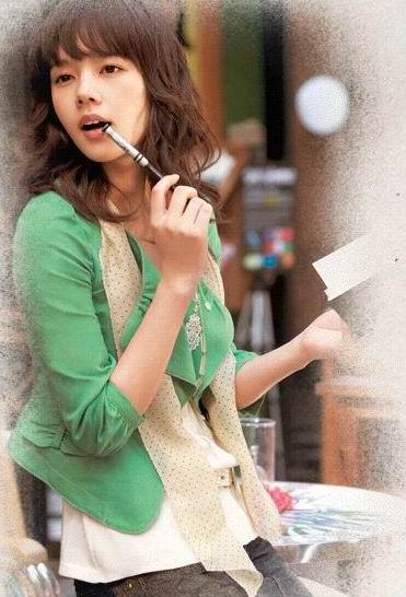 韩佳仁新广告变身成熟职场美女美丽自信