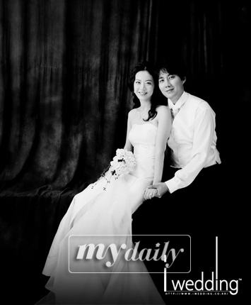 韩星柳镇大婚在即首次公开精美婚纱照(组图)