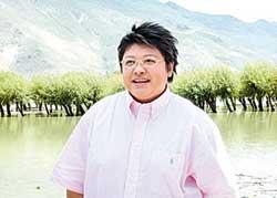 点击六明星座驾之五:韩红在西藏高原上(组图)