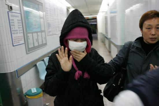 传二李结婚毁掉周彦宏男友病倒住院是示威警告