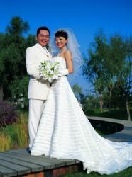 组图:李湘做幸福新娘与李厚霖举行盛大婚礼
